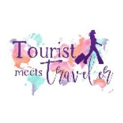 Touristmeetstraveler