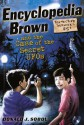 Encyclopedia Brown and the Case of the Secret UFOs - Donald J. Sobol