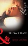 Pillow Chase (Mills & Boon Blaze) (Falling Inn Bed... - Book 3) - Jeanie London