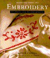 Embroidery: 25 Classic Step-By-Step Projects (Traditional Needle Arts) - Katrin Cargill