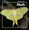 Moth (Stopwatch Books) - Barrie Watts