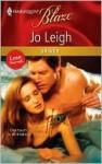 Shiver (Harlequin Blaze, #571) - Jo Leigh
