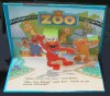 Sesame Street Pop-up Book - Elmo Goes to the Zoo - Lee Howard
