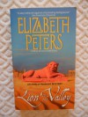 Lion in the Valley:An Amelia Peabody Mystery. *Volume 4 in the Series! - Elizabeth Peters