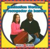 Sanitation Worker/El Recogedor de Basura - JoAnn Early Macken, Gregg Andersen