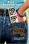 The Sisterhood of the Travelling Pants (Sisterhood of the Traveling Pants, #1) - Ann Brashares
