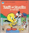 Tweety And Sylvester At The Farm - Cecily Ruth Hogan, Renzo Barto