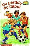 Un Partido de Futbol! (Soccer Game!) - Grace Maccarone