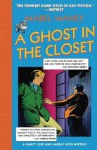 A Ghost In The Closet (A Nancy Clue Mystery) - Mabel Maney
