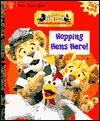 Hopping Hens Here! (Little Golden Book) - Louise Gikow