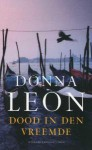 Dood in den vreemde - Donna Leon, Lucie van Rooijen