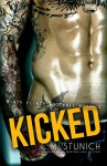 Kicked: A Bad Boy Sports Romance - C.M. Stunich, Violet Blaze
