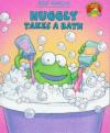 Huggly Takes A Bath - Tedd Arnold