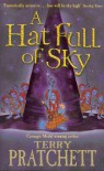 A Hat Full of Sky (Discworld, #32) - Terry Pratchett
