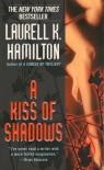 A Kiss of Shadows (Meredith Gentry #1) - Laurell K. Hamilton