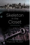Skeleton in the Closet (Sharon McCone Mystery) - Marcia Muller