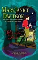 Wolf at the Door - MaryJanice Davidson