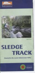 Sledge Track. Situated in the Scenic Kahuterawa Valley - praca zbiorowa