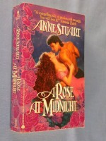 A Rose at Midnight - Anne Stuart