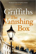 The Vanishing Box - Elly Griffiths
