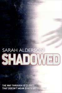 Shadowed (Fated) - Sarah Alderson