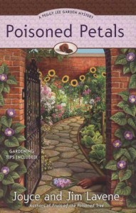 Poisoned Petals (A Peggy Lee Garden Mystery) - Joyce and Jim Lavene