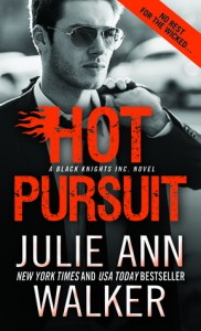 Hot Pursuit (Black Knights Inc.) - Julie Ann Walker