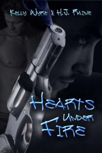 Hearts Under Fire - Kelly Wyre, H.J. Raine