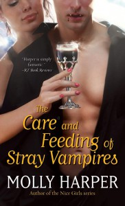 The Care and Feeding of Stray Vampires (Half Moon Hollow, #1) - Molly Harper