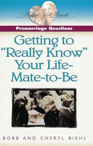 "Pre-Marriage Questions: Getting to ""Really Know"" Your Life-Mate-To-Be (Heart to Heart Series) - Bobb Biehl;Cheryl Biehl"