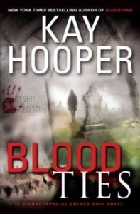 Blood Ties - Kay Hooper