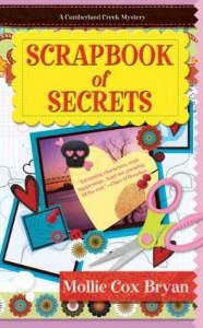 Scrapbook of Secrets (A Cumberland Creek Mystery) - Cox Bryan,  Mollie