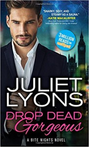 Romancing the Undead (Undead Dating Service) - Juliet Lyons