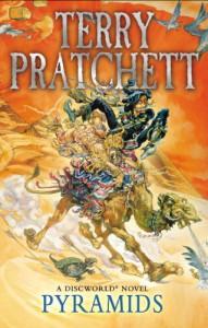 Pyramids: (Discworld Novel 7) - Terry Pratchett