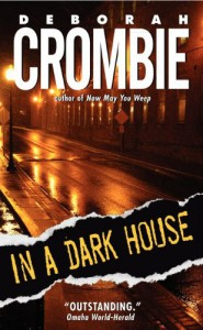 In A Dark House - Deborah Crombie