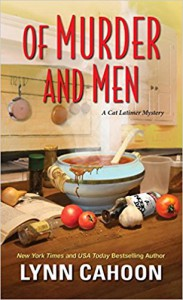 Of Murder and Men (A Cat Latimer Mystery) - Lynn Cahoon