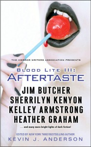 Blood Lite III: Aftertaste - Kevin J. Anderson, Mike Resnick, Sherrilyn Kenyon, Christopher Golden, Don D'Ammassa, Nina Kiriki Hoffman, Mike Baron, Lucien Soulban, L.A. Banks, D.L. Snell, Jeff Strand, Norman Prentiss, Eric James Stone, Will Ludwigsen, Ken Lillie-Paetz, Mark Onspaugh, Brad C. Hodson,