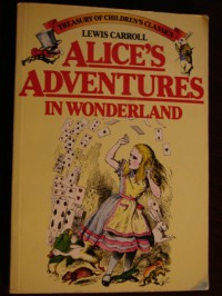 Alice's Adventures in Wonderland - Lewis Carroll, John Tenniel