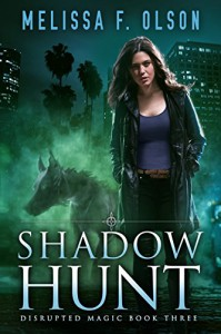 Shadow Hunt - Melissa F. Olson
