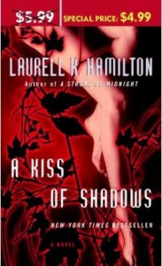 A Kiss of Shadows (Meredith Gentry, #1) - Laurell K. Hamilton, Laural Merlington
