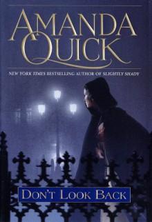 Don't Look Back - Amanda Quick