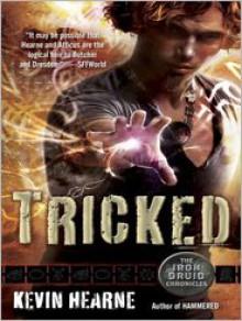 Tricked - Luke Daniels, Kevin Hearne