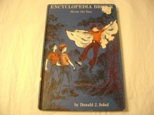 Encyclopedia Brown Saves the Day - Donald J. Sobol