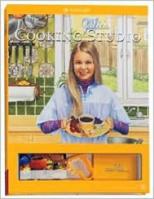 Julie's Cooking Studio [With 20 Table Talkers and 10 Place CardsWith Cookie Cutter] - Teri Witkowski