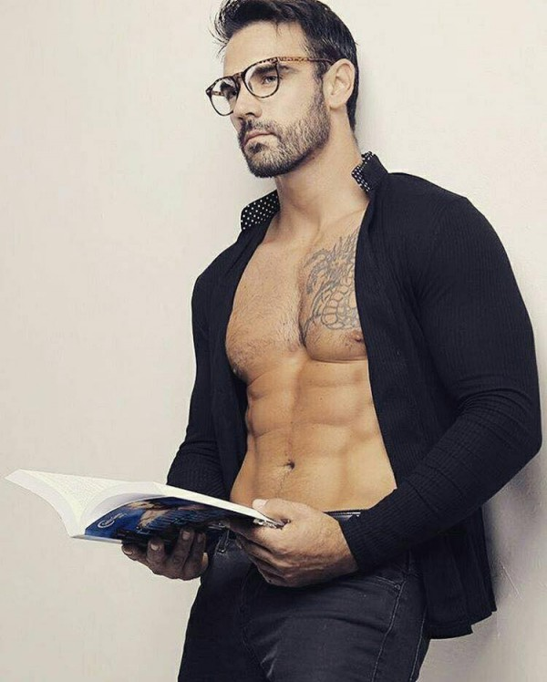 Hot Dudes Reading, #46