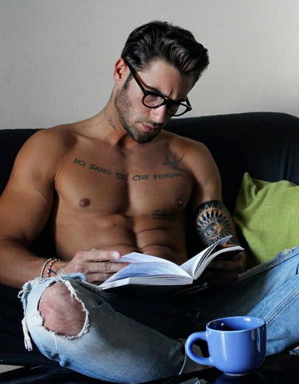 Hot Dudes Reading, #1