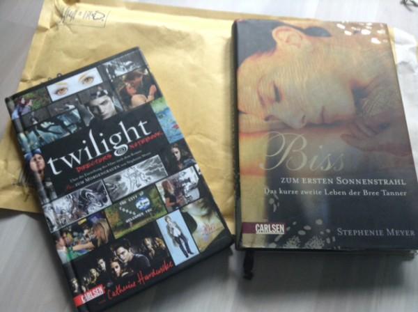 Wie ihr seht eine kleine aber feine Büchersendung mit vieeeel Twilight :D