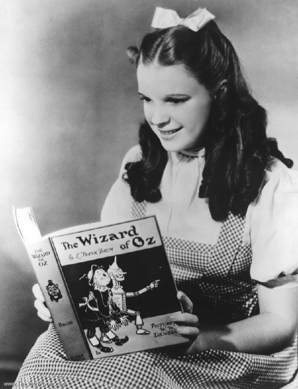 "Judy Garland (Dorothy) Reading ""The Wizard of OZ"""
