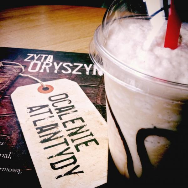 Ocalam Atlantydę z Coco iced latte @ Columbus Coffee (Łódź)