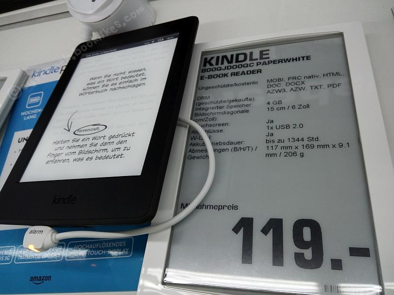 Kindle paperwhite 3 i etykieta z papieru elektronicznego